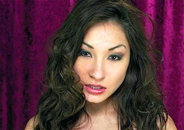 rozy jezel sexy asian babe